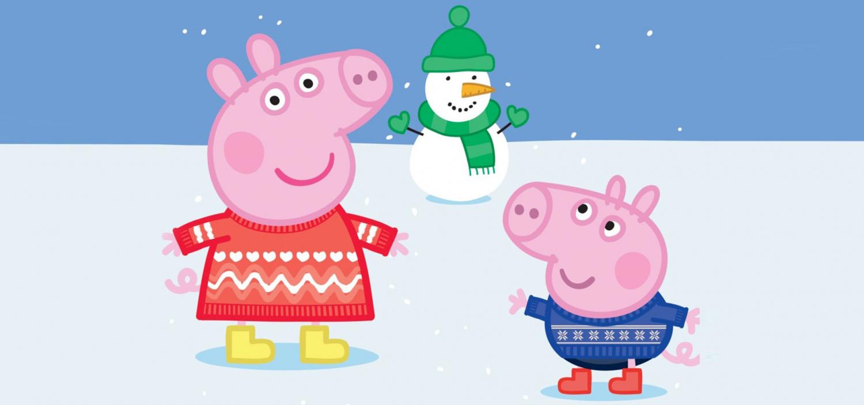 """<p>Torna&nbsp;il 14 dicembre l&rsquo;appuntamento con il <strong><a target=""""_blank"""" href=""""https://www.christmasjumperday.it"""">Christmas Jumper Day</a>, l&rsquo;iniziativa benefica dedicata ai maglioni natalizi promossa da <a target=""""_blank"""" href=""""https://www.savethechildren.it/"""">Save the Children</a></strong>, l&rsquo;Organizzazione che dal 1919 lotta per salvare i bambini e garantire loro un futuro. Anche quest&rsquo;anno il progetto vanta il supporto di Entertainment One&rsquo;s (eOne) che insieme a Peppa Pig fa squadra per sostenere il Christmas Jumper Day. Il <strong>Christmas Jumper Day</strong> &egrave; ormai diventata una tradizione a tutti gli effetti, un evento di partecipazione di massa che dai paesi anglosassoni ha contagiato anche la nostra Penisola. <strong>Aderire &egrave; davvero semplicissimo: basta procurarsi un maglione e decorarlo a piacere con elementi natalizi buffi e divertenti, oppure registrarsi al sito <a target=""""_blank"""" href=""""https://www.christmasjumperday.it"""">Christmasjumperday.it</a></strong> per ricevere gratuitamente un kit guida per la realizzazione del proprio jumper. Proprio come faranno i tantissimi istituti scolastici che hanno aderito alla divertente iniziativa. <strong>Proprio in occasione del Christmas Jumper Day, sabato 15 e domenica 16 dicembre&nbsp;a WOW Spazio Fumetto di Milano vi aspetta un intero weekend di festa</strong> durante il quale genitori e figli potranno partecipare a <strong>divertenti laboratori creativi</strong>, per imparare a decorare i loro vecchi maglioni trasformandoli in bellissimi Christmas Jumper utilizzando delle speciali <strong>decorazioni dedicate al mondo di Peppa Pig</strong>. Per imparare al meglio ogni possibile tecnica, la simpaticissima Peppa Pig ha coinvolto attivamente <strong>il giovane youtuber di successo <a target=""""_blank"""" href=""""https://www.youtube.com/user/FimoKawaiiEmotions"""">FimoKawaiiEmotions</a></strong> che ha realizzato <strong><a target=""""_blank"""" href=""""https://www.youtube.com/watch"""