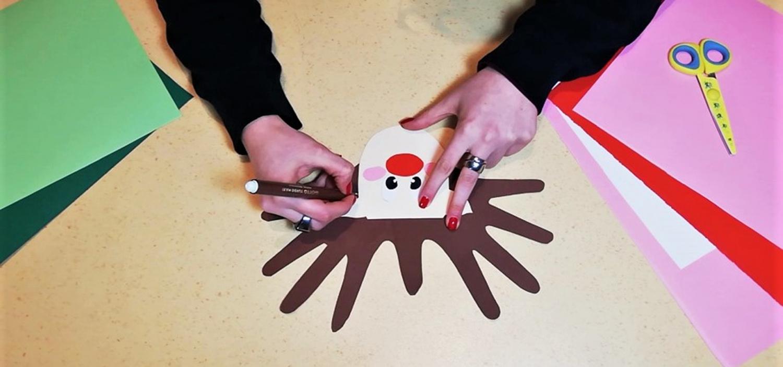 <p>Quest&#39;anno WOW Spazio Fumetto ha preparato un mini-tutorial online a tema natalizio, per <strong>creare insieme due divertenti biglietti con protagonisti Babbo Natale e la sua renna</strong>.</p><p><br />Procuratevi dei cartoncini colorati, una matita, un pennarello, della colla e una forbice con punte arrotondate: buon divertimento!</p><p>&nbsp;</p><p><strong>Mandateci&nbsp;le vostre creazioni</strong>:&nbsp;le condivideremo sui nostri social!</p><p>&nbsp;</p>